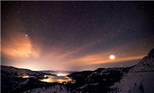 4 am Stars and Fog Donner Lake Village