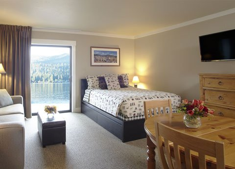 Donner Lake Village Studio Deluxe Lakeview at Truckee