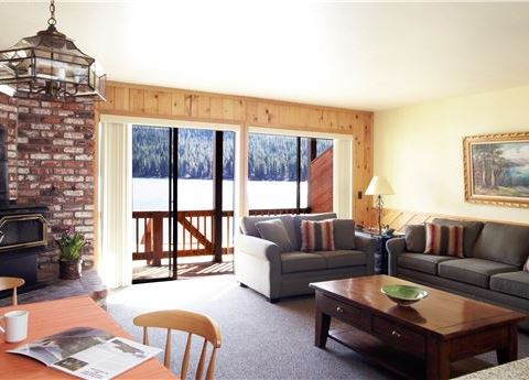 Townhouse Deluxe Lakeview at Donner Lake Village, Truckee